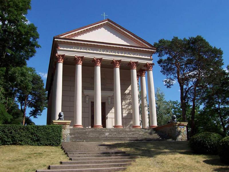 Parafia pw. ŚwiętegoMarcelina w Rogalinie